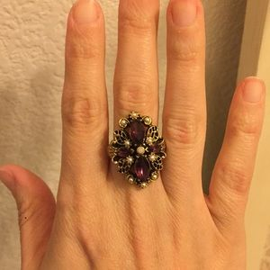 Vintage ring gold tone/ with purple Navettes